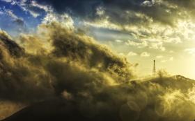 Картинка облака, пейзаж, природа, гора, вышка, вершина, солнечный свет