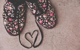 Картинка сердце, кеды, шнурки