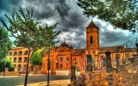 Обои деревья, площадь, двор, церковь, арка, ступени, Испания