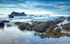 Обои море, волны, небо, облака, камни, скалы