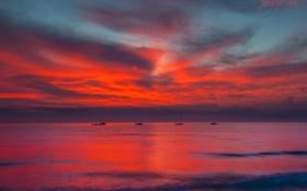 Картинка море, небо, облака, отражение, лодки, вечер, зарево