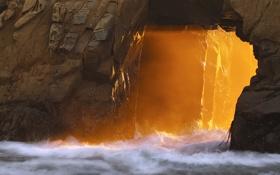 Картинка волны, пена, солнце, лучи, скала, камни, океан