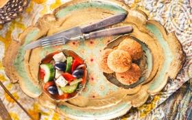 Обои сыр, огурец, нож, посуда, перец, вилка, оливки