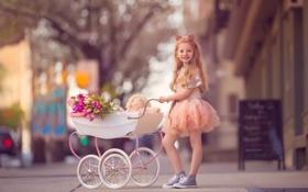 Обои улица, девочка, коляска