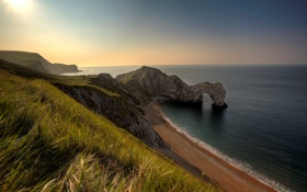 Картинка море, пляж, небо, солнце, пейзаж, скала, фон