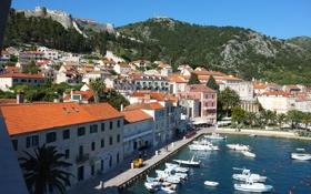 Картинка пальмы, гора, дома, крепость, катера, Хорватия, island Hvar