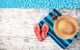 Обои вода, полотенце, шляпа, морская звезда, сланцы