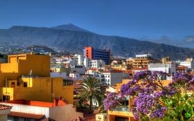 Обои небо, дерево, гора, дома, Город, день, Испания