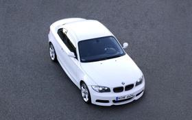 Обои Авто, Белый, BMW, Бумер, Асфальт, Капот, 135i
