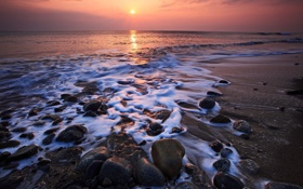 Обои море, пена, вода, солнце, закат, камни, океан