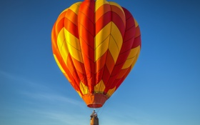 Обои небо, облака, полет, воздушный шар, люди, корзина