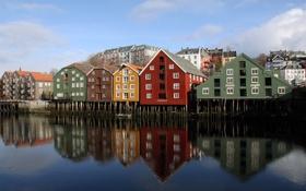 Картинка город, дома, Норвегия, разноцветные, Тронхейм, на сваях