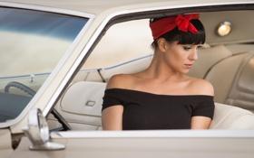 Картинка авто, девушка, брюнетка
