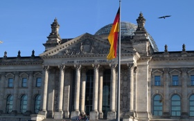 Обои Германия, флаг, парламент, Берлин, Рейхстаг