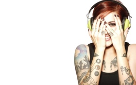 Обои Девушка, наушники, белый фон, татуировки, смущена