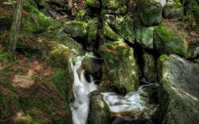Обои река, ручей, камни, скалы, мох, поток