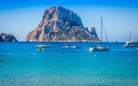 Картинка море, острова, камни, скалы, яхты, Испания, Ibiza