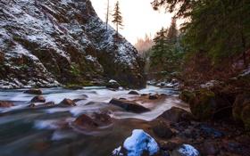 Картинка камни, река, небо, лес, скала, деревья, снег