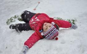 Обои зима, снег, дети, смех