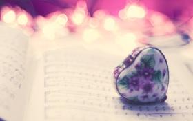 Картинка макро, ноты, настроение, сердце, страницы