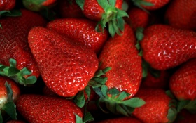 Обои red, fruit, sweet, strawberry
