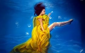 Обои желтое платье, медузы, девушка, профиль, под водой, ножки, лицо