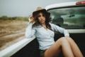 Картинка машина, девушка, шляпка, кузов, поездка