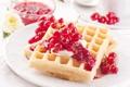 Картинка крем, десерт, смородина, вафли