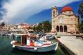 Картинка море, пальмы, остров, дома, лодки, Греция, церковь
