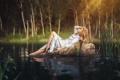 Картинка вода, девушка, природа, поза, арт, блондинка, лежит