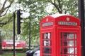 Картинка город, улица, будка, красная, телефонная