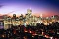 Картинка ночь, город, огни, река, обои, небоскребы, нью-йорк