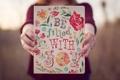 Картинка текст, надпись, узор, рисунок, руки, пальцы