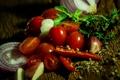 Картинка лук, зелень, перец, помидоры, чеснок