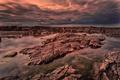 Картинка небо, вода, тучи, камни, скалы, отлив