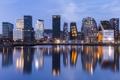 Картинка вода, город, огни, отражение, вечер, подсветка, Норвегия