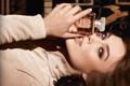 Картинка взгляд, лицо, волосы, рука, реклама, актриса, Кира Найтли
