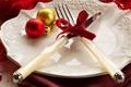 Картинка посуда, бантик, шары, новогодние, новогодняя сервировка, нож, новый год