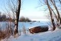 Картинка зима, небо, снег, деревья, лодка