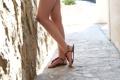 Картинка девушка, туфли, ножки, сандали