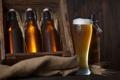 Картинка пена, стол, бокал, пиво, колоски, бутылки, ящик
