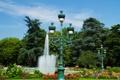 Картинка деревья, цветы, Франция, фонтан, кусты, светильники, Тулуза