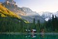 Картинка лес, небо, деревья, закат, горы, озеро, дом