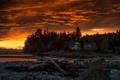 Картинка облака, озеро, дома, восход солнца, коряги, оранжевое небо