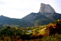 Картинка осень, горы, скалы, Франция, поля, Альпы, домики