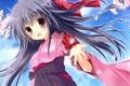 Картинка небо, девушка, облака, цветы, рука, аниме, лепестки