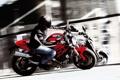 Картинка мотоциклист, скорость, отражение, ducati