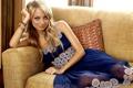 Картинка девушка, диван, модель, платье, актриса, тату, браслеты