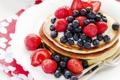 Картинка ягоды, черника, клубника, блины