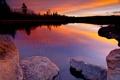 Картинка лес, закат, озеро, камни